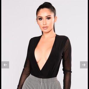 Fashion Nova - Deep V neck Bodysuit